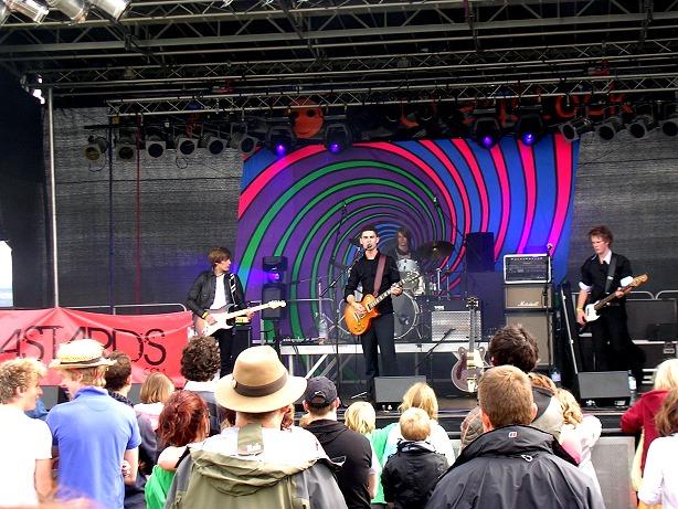 DASTARDS performing live at CHAGSTOCK 09